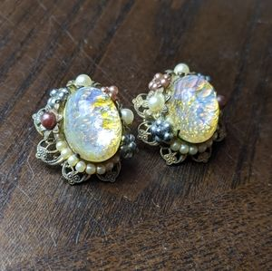 Vintage 1950s Ann-Vien Iridescent Clip on Earrings